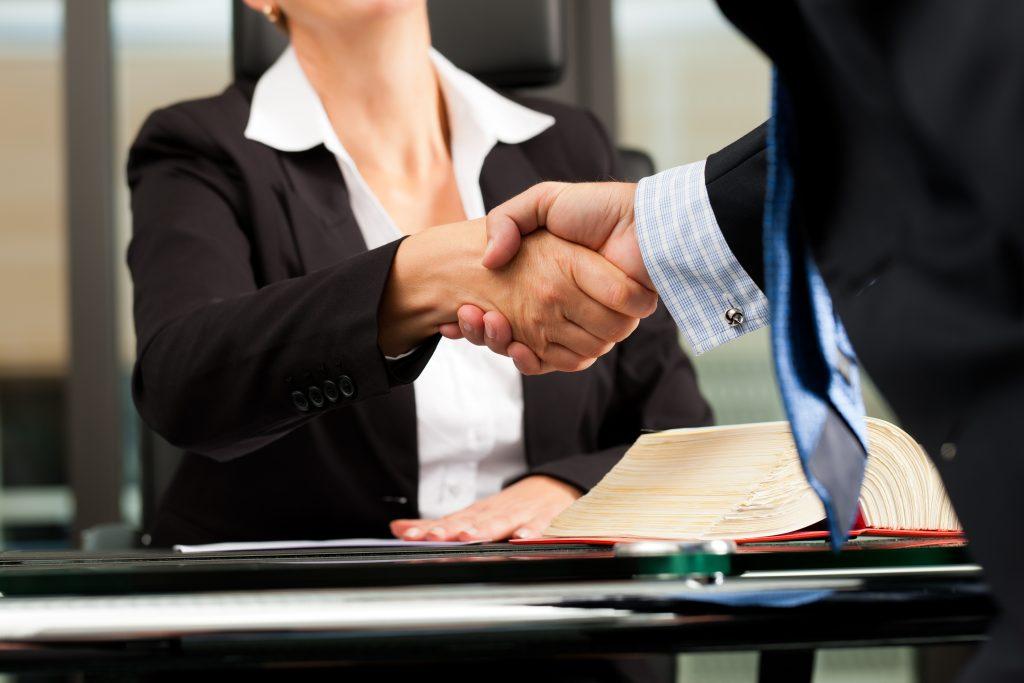 La Mejor Firma Legal de Abogados en Español de Acuerdos en Casos de Compensación Laboral, Mayor Compensación de Pago Adelantado en Anaheim California